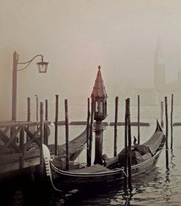 Gondola with fog