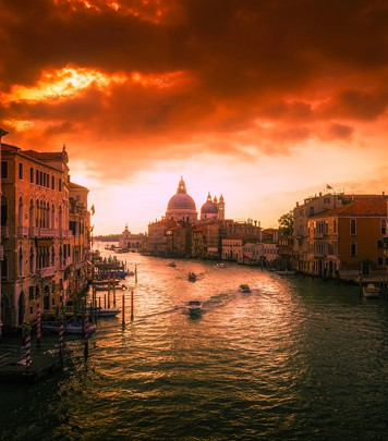 Sunset in Canal Grande