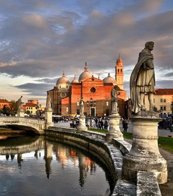 Padova Square