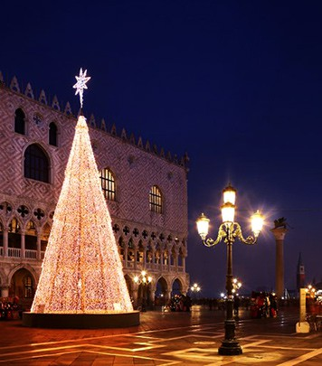 Christmas Three in Piazza San Marco