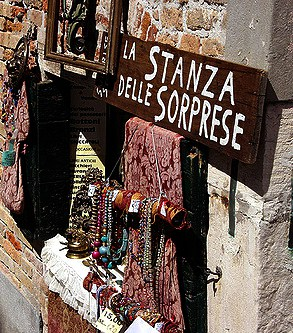 Vintage Shopping in Venice