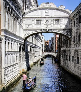 Famous bridges in Venice: our guide